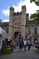 Marktplatz des mittelalterlichen Wells